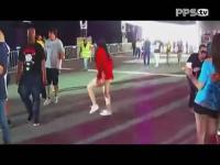 正在播放性感美女跳鬼步舞