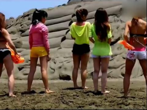沙滩比基尼美女热舞 2