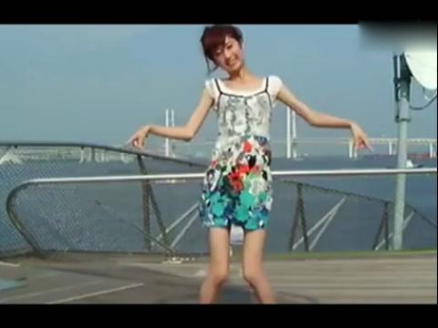 萌妹子美女海边唯美舞蹈秀