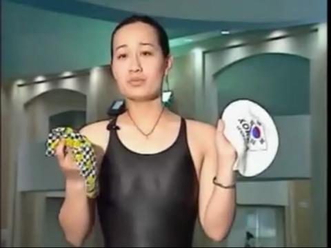 游泳教学视频-游泳帽的戴法及选择