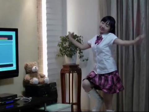 美女中学生舞蹈bad girl