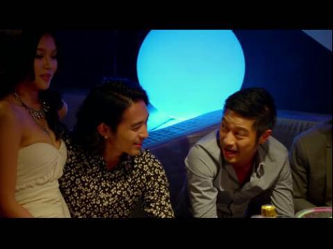 02:24《喜爱夜蒲2》 激情缠绵床戏吻戏视频片段播放