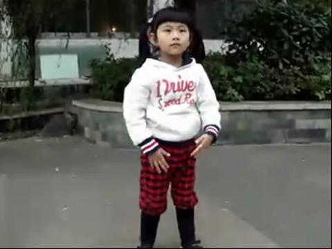 小苹果舞蹈可爱美女单人