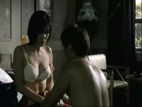床吻戏视频《密爱》激情片段:少妇献身