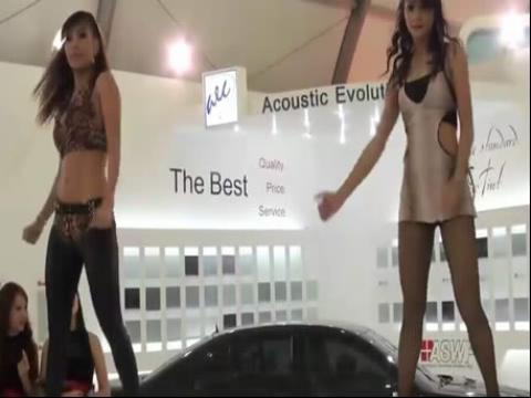 泰国美女热舞 车展模特穿丝袜漂亮热舞秀