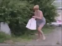 实拍美女尿急失禁 视频