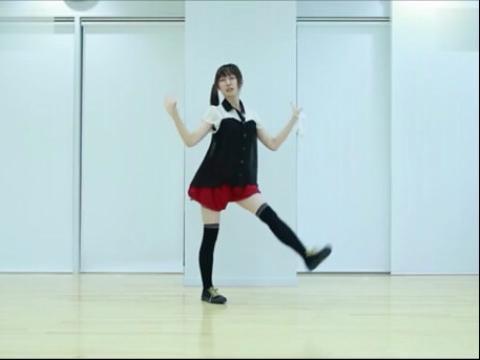 超萌美女劲爆热舞视频