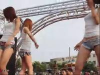 大胸美女热舞 超短裤