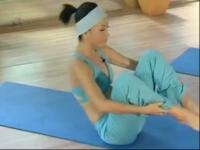 减肥瑜伽视频 卷腹坐起教学