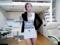 韩国美女主持自拍热舞诱惑性感