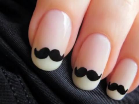 美甲教程―美女教你怎么涂可爱的指甲