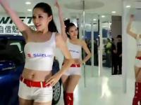 超短裤美女性感热舞