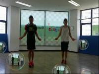 越南美女舞团排练性感火辣热舞