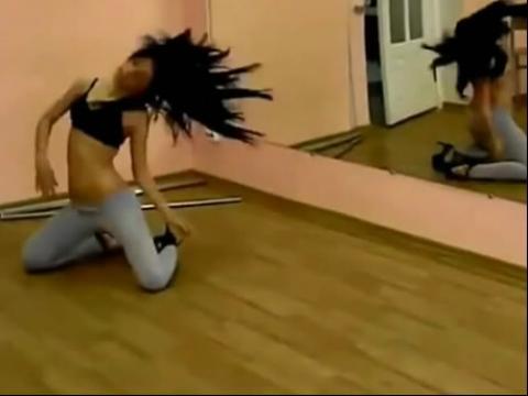 紧身裤美女热舞