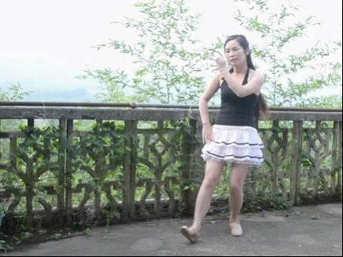 美女广场舞最炫民族风