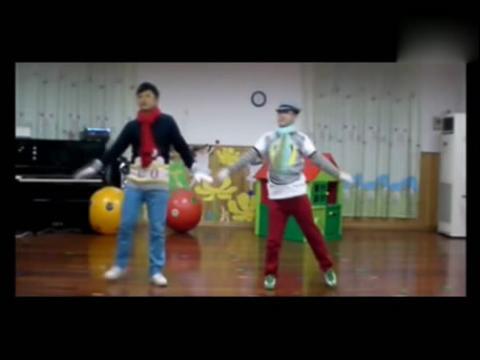 幼儿园中班亲子舞蹈分享展示