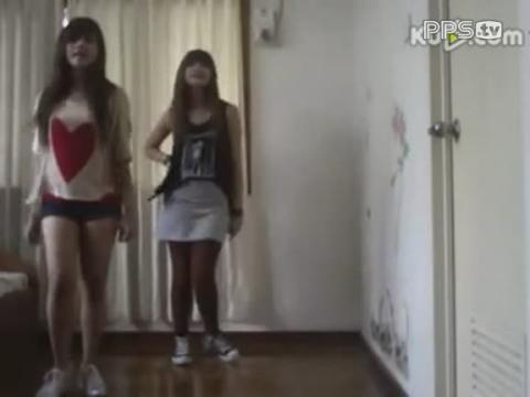 美女学生劲爆舞蹈