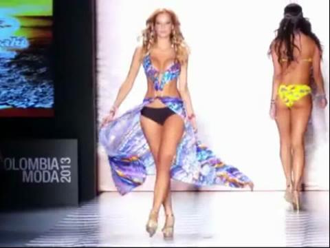 法国时装秀 透明时装秀美女