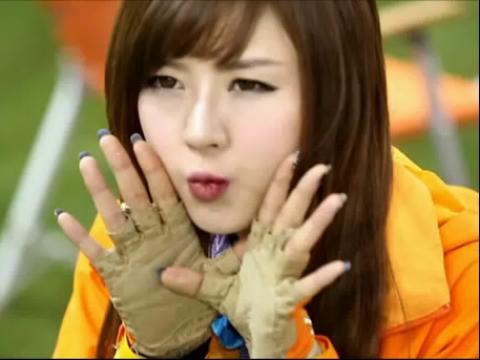 美女视频 韩国嫩模 吐舌头