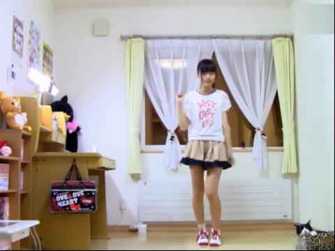 高中性感长腿美女自拍舞蹈视频;