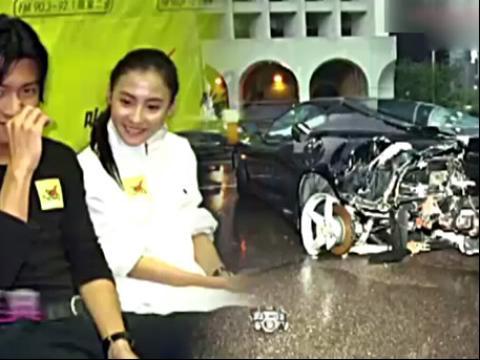 谢霆锋2002年撞车事件图片