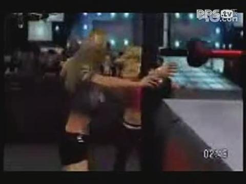 wwe美国职业摔角 女子撕衣群殴wwe