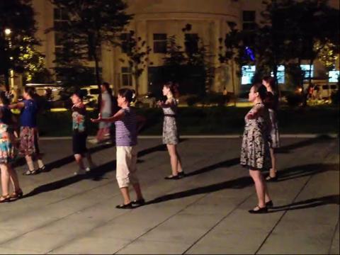 古河二中广场舞 手牵手 心相印