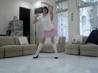 豹纹美女性感热舞 在线观看