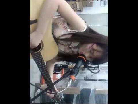 滴答 美女吉他弹唱 在线观看