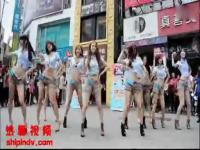 韩国美女热舞自拍:红衣翘臀