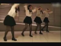黑丝美女组合热舞