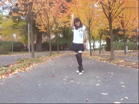 黑丝超短裙萌美女舞蹈视频