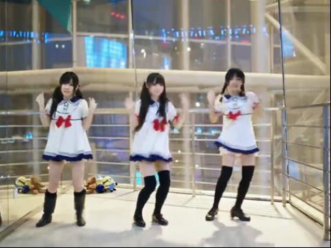 白色短裙妹子美女跳韩国舞蹈视频