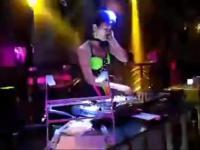 美女dj lulu 酒吧现场打碟视频