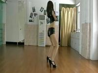 可爱长腿美女热舞