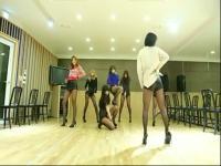 韩国美女迷你短裙热舞