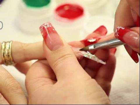 美甲彩绘玫瑰花的画法 美甲玫瑰花的画法步骤 美甲玫瑰花的画法视频