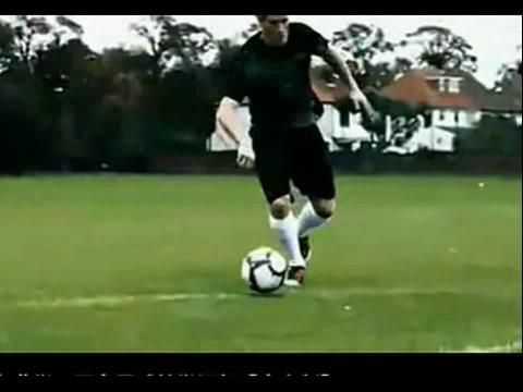 足球教学 足球过人 足球教学视频18足球过人技术