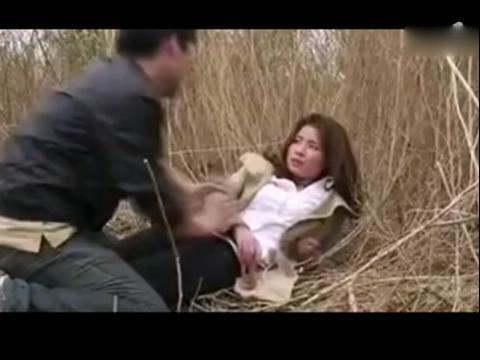 荒郊野外女子遭强暴全过程