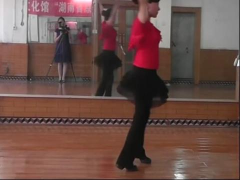 美女广场舞4 在线观看